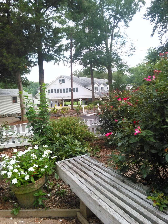 Calvary Pentecostal Tabernacle - church    Photo 5 of 10   Address: 11352 Heflin Ln, Ashland, VA 23005, USA   Phone: (804) 798-7756