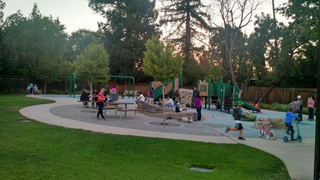 Del Medio Park - park  | Photo 1 of 10 | Address: 380 Del Medio Ave, Mountain View, CA 94040, USA | Phone: (650) 903-6326