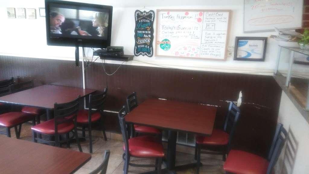 Pete & Johns Pizza Parlor - restaurant  | Photo 4 of 10 | Address: 50 Magnolia Rd, Pemberton, NJ 08068, USA | Phone: (609) 894-8073