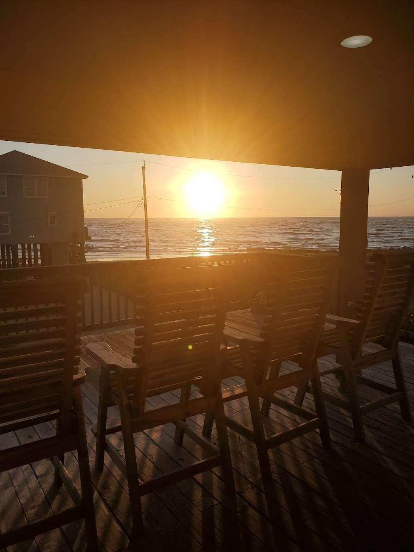 Treasure Trove Vacation Rental - lodging  | Photo 3 of 10 | Address: 13131 Gulf Beach Dr, Freeport, TX 77541, USA | Phone: (979) 799-6970