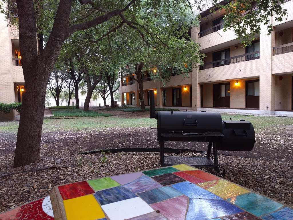 Gateway Inn - lodging  | Photo 8 of 10 | Address: 1750 Femoyer St, San Antonio, TX 78236, USA | Phone: (210) 673-6930