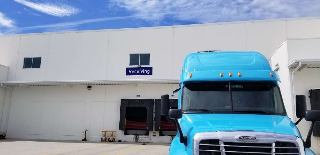 Faurecia South Shipping/ Recieving Gate - car repair  | Photo 5 of 9 | Address: 830 W 450 S, Columbus, IN 47201, USA