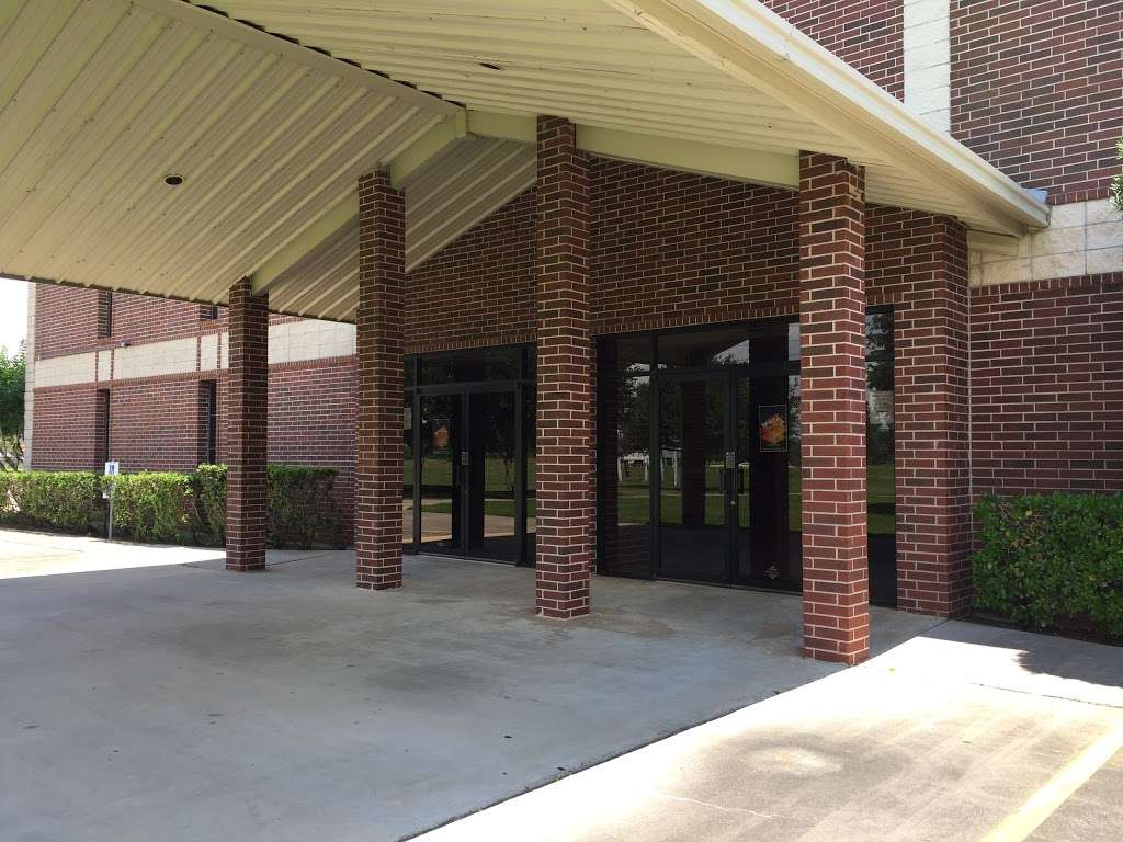 Friendship Church Richmond - church  | Photo 8 of 10 | Address: 4640 Richmond-Foster Rd, Richmond, TX 77406, USA | Phone: (281) 341-1300
