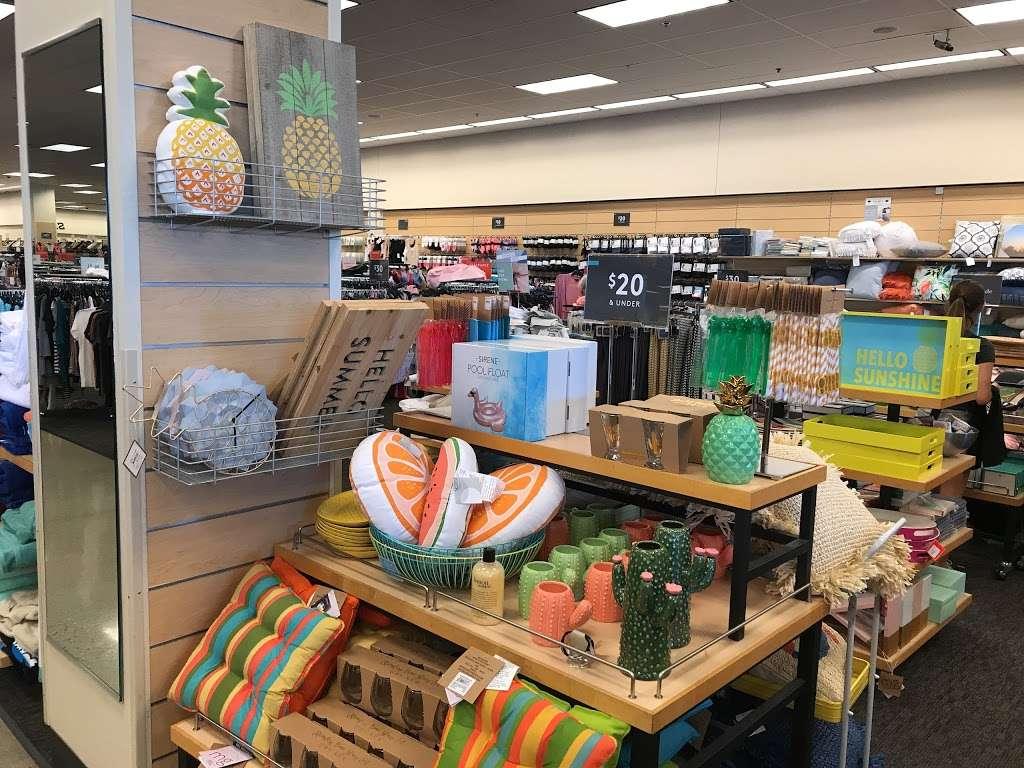 Nordstrom Rack South Bay MarketPlace - clothing store  | Photo 1 of 10 | Address: 1517 Hawthorne Blvd, Redondo Beach, CA 90278, USA | Phone: (424) 254-2448