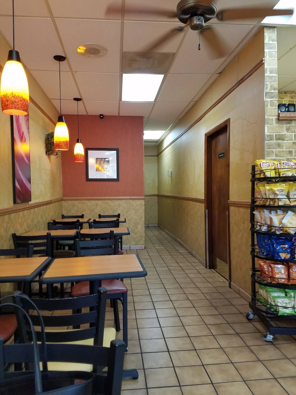 Subway - meal takeaway  | Photo 2 of 6 | Address: 2360 W 68th St #127, Hialeah, FL 33016, USA | Phone: (305) 362-9366
