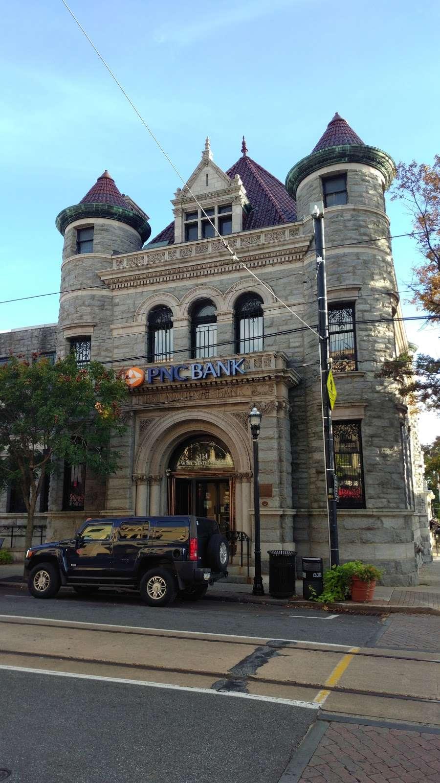 PNC Bank - bank    Photo 3 of 7   Address: 114 W State St, Media, PA 19063, USA   Phone: (610) 892-2650