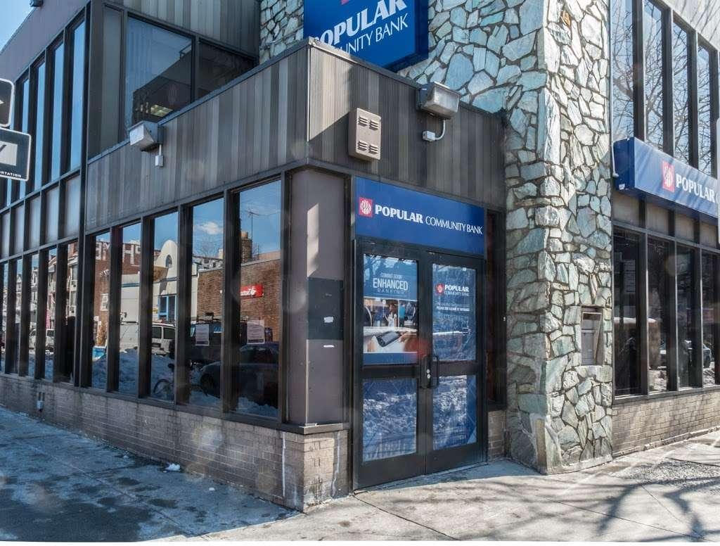 Popular Bank - bank  | Photo 1 of 4 | Address: 8322 Baxter Ave, Flushing, NY 11373, USA | Phone: (718) 335-4301