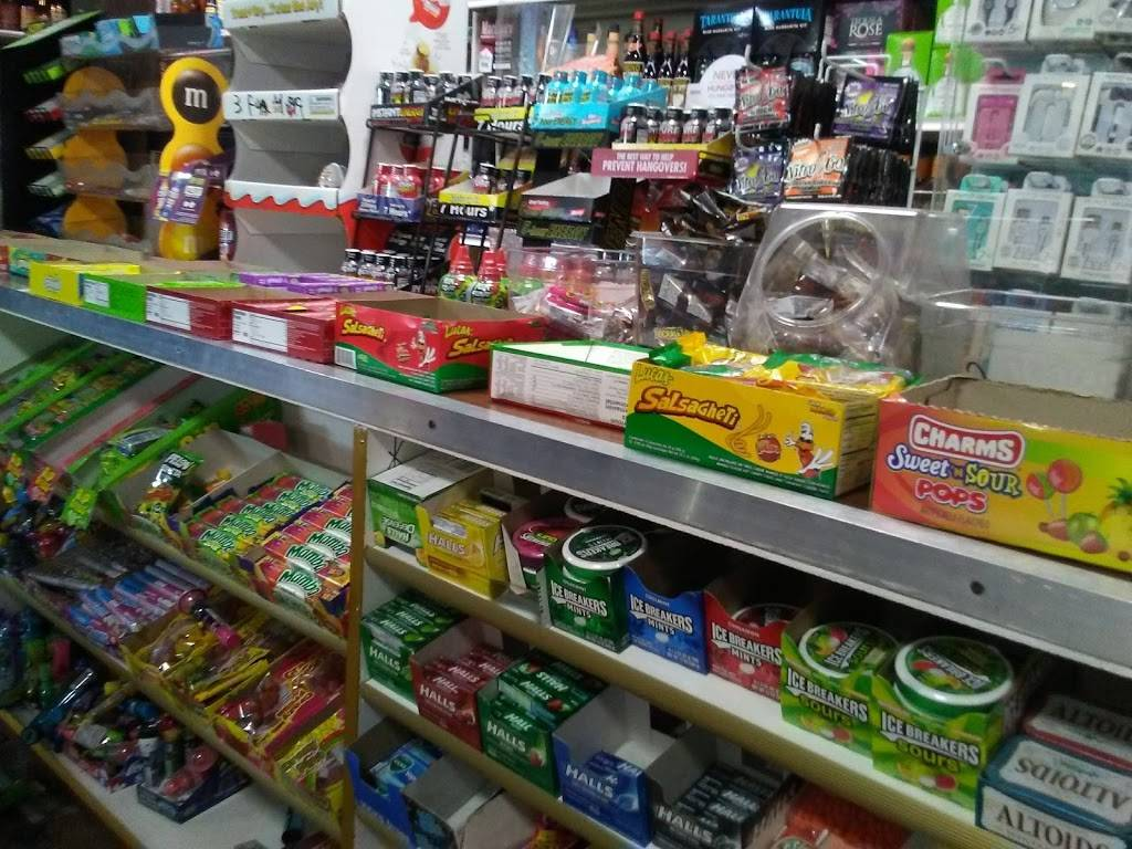 Bills Market & Liquor - convenience store  | Photo 2 of 10 | Address: 1234 Main St, Barstow, CA 92311, USA | Phone: (760) 256-8224