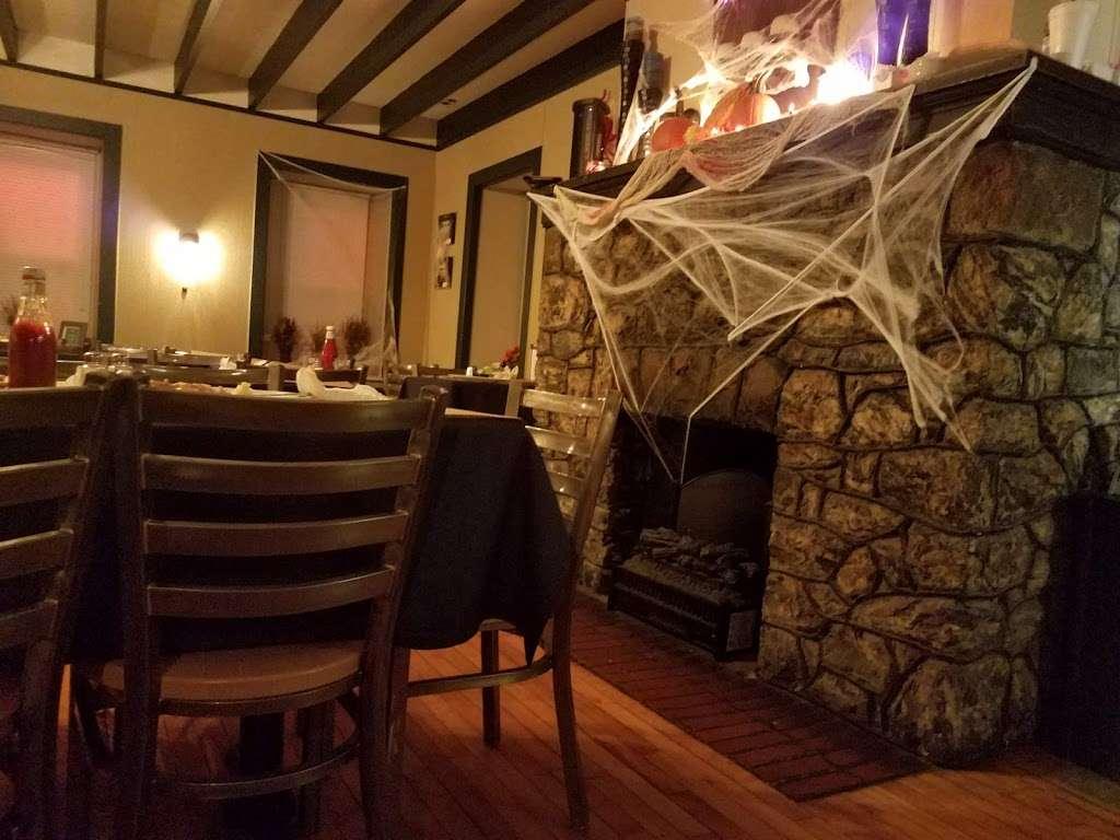 Berlinsville Hotel - restaurant  | Photo 9 of 10 | Address: 4588 Lehigh Dr, Walnutport, PA 18088, USA | Phone: (610) 767-6022