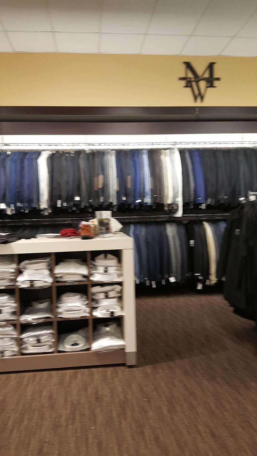 Mens Wearhouse - clothing store  | Photo 3 of 10 | Address: 18407 Hawthorne Blvd, Torrance, CA 90504, USA | Phone: (310) 370-9788