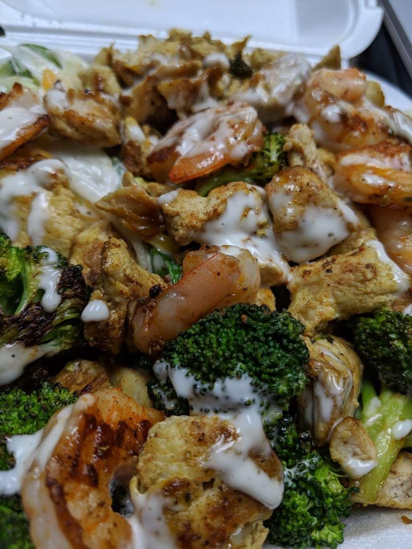 Tasty Chicken & Salad - restaurant  | Photo 3 of 10 | Address: 159 W 95th St, Chicago, IL 60628, USA | Phone: (773) 840-3114