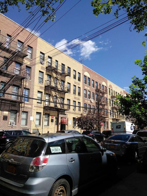 J Colgate - clothing store    Photo 6 of 10   Address: 1173-1199 Colgate Ave, Bronx, NY 10472, USA   Phone: (718) 620-6616