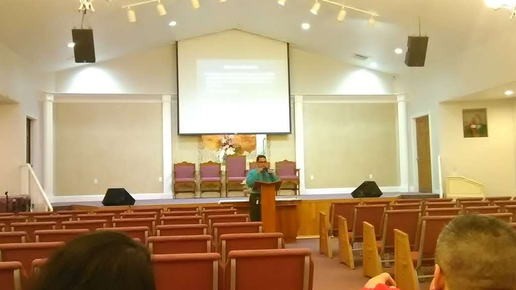 Maranatha Hispanic Seventh Day Adventist Church - church    Photo 5 of 10   Address: 101 E Washburn Rd, North Las Vegas, NV 89031, USA   Phone: (702) 253-3900