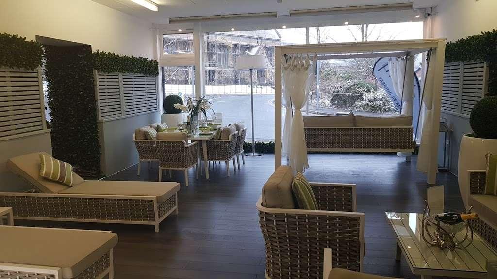 Moda Outdoor Furniture - furniture store    Photo 1 of 10   Address: 22-28 Godstone Rd, Caterham CR3 6RA, UK   Phone: 01883 708635