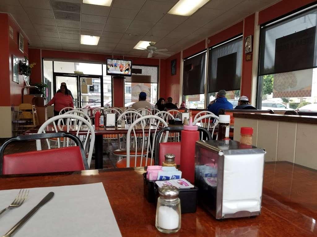 Cougars Burgers - restaurant  | Photo 5 of 10 | Address: 12800 S Inglewood Ave, Hawthorne, CA 90250, USA | Phone: (310) 675-5519