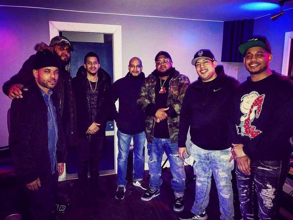 BeBe Soundz Studios - electronics store  | Photo 10 of 10 | Address: 300 E Tremont Ave, Bronx, NY 10457, USA | Phone: (929) 393-0516