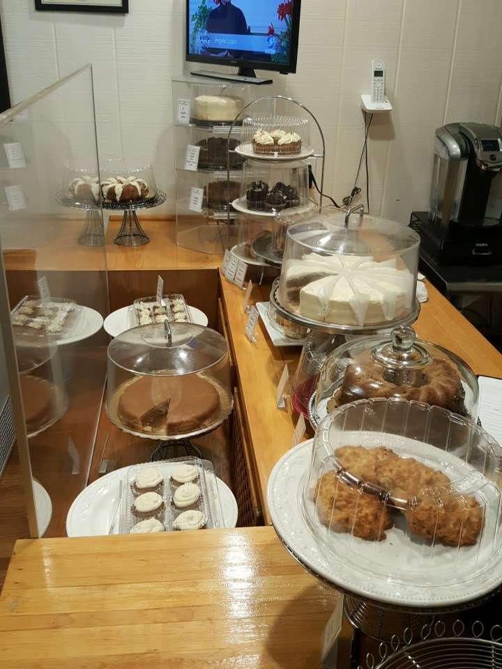 Mortgage Apple Cakes Bakery & Café - bakery    Photo 10 of 10   Address: 740 Chestnut Ave, Teaneck, NJ 07666, USA   Phone: (201) 371-3121