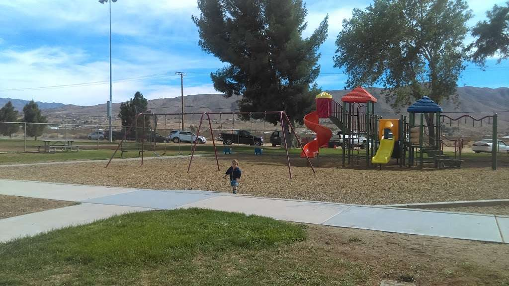 Mendel Park - park  | Photo 6 of 10 | Address: 21860 Tussing Ranch Rd, Apple Valley, CA 92308, USA | Phone: (760) 240-7000