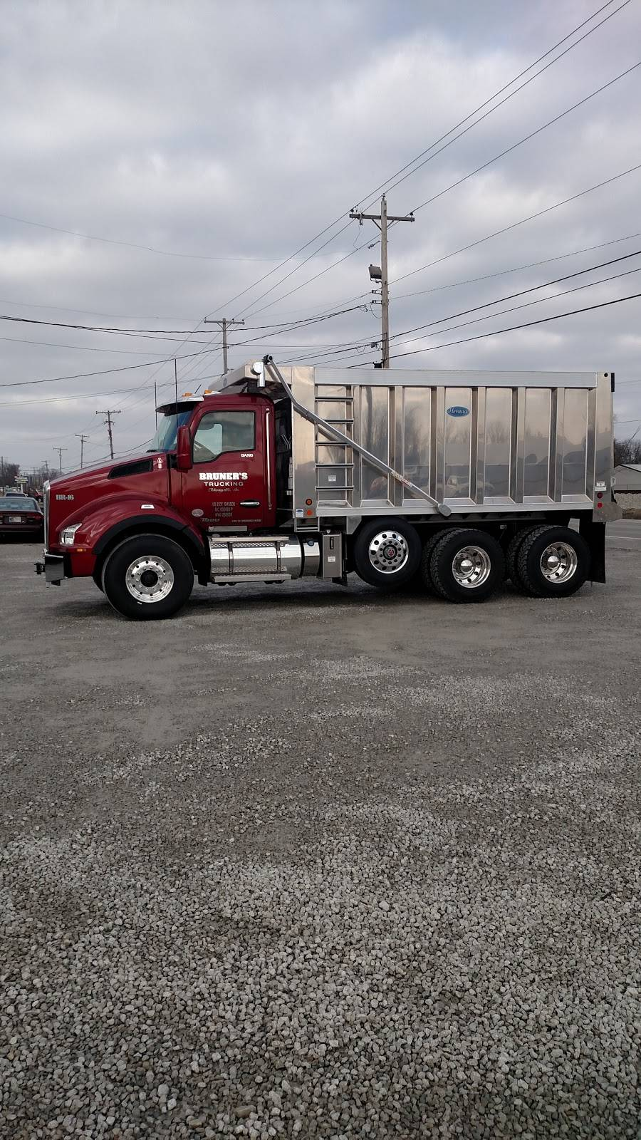 Bruners Trucking - moving company  | Photo 3 of 8 | Address: 1720b Old Potters Ln, Clarksville, IN 47129, USA | Phone: (812) 593-4634