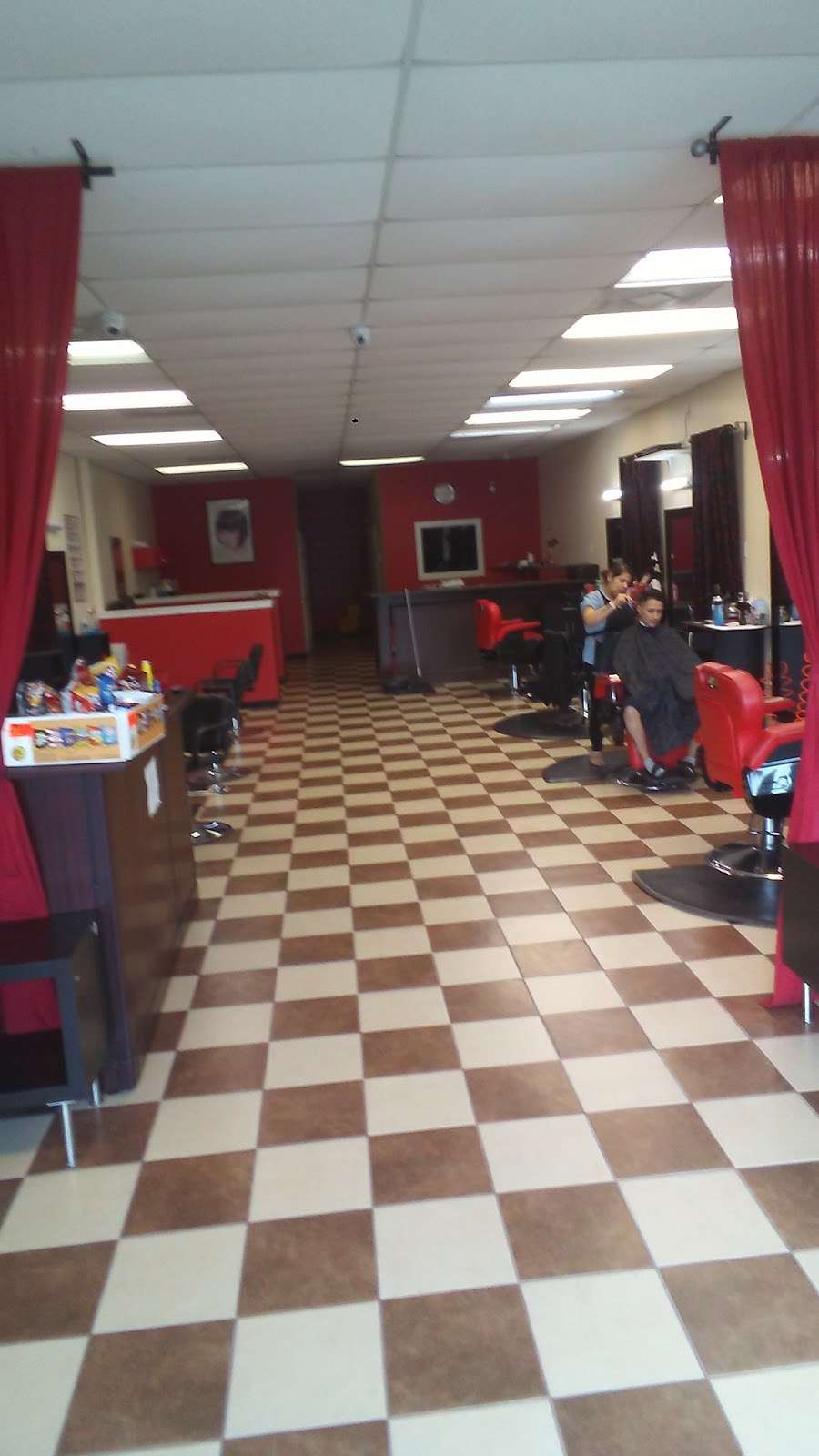 new style salon and barbershop - hair care  | Photo 3 of 10 | Address: 917 Greens Rd, Houston, TX 77060, USA | Phone: (281) 873-2121