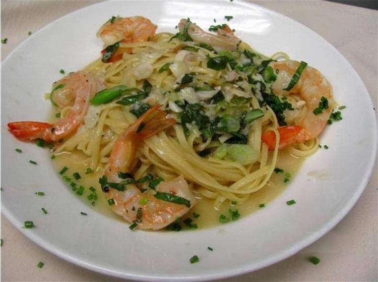 Filomenas Lakeview - restaurant  | Photo 7 of 10 | Address: 1738 Cooper St, Deptford Township, NJ 08096, USA | Phone: (856) 228-4235