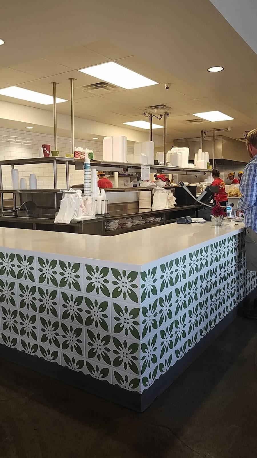 Carolinas Mexican Food - Mesa - restaurant  | Photo 4 of 10 | Address: 1450 S Country Club Dr, Mesa, AZ 85210, USA | Phone: (480) 912-3420