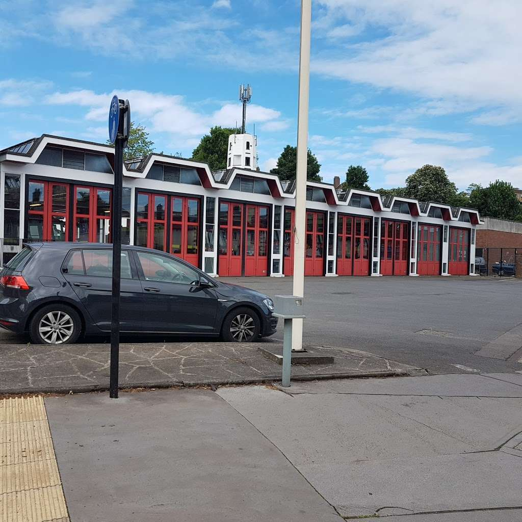 Croydon Fire Station - fire station  | Photo 1 of 4 | Address: 90 Old Town, Croydon CR0 1AR, UK | Phone: 020 8555 1200