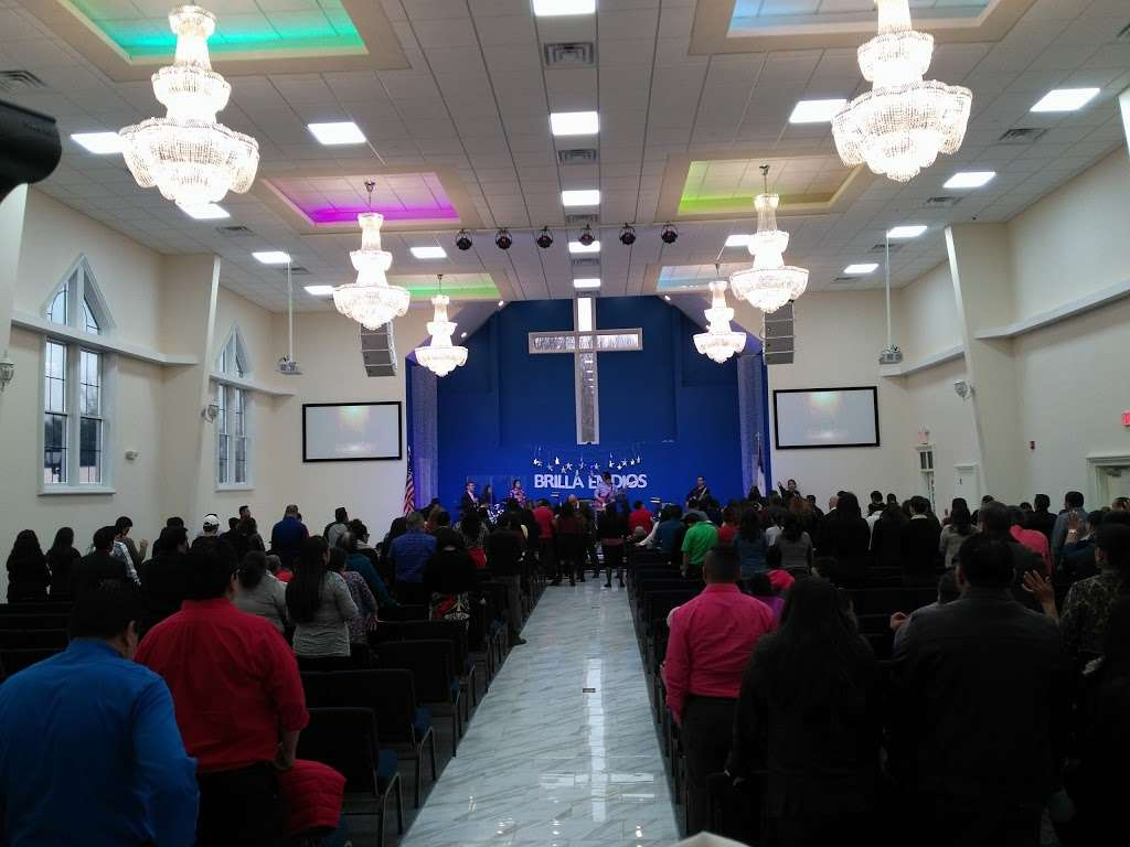IGLESIA PENTECOSTAL RÍOS DE AGUA VIVA - LIVING WATERS PENTECOSTA - church  | Photo 7 of 10 | Address: 49 N Main St, Windsor, NJ 08561, USA | Phone: (609) 371-2659