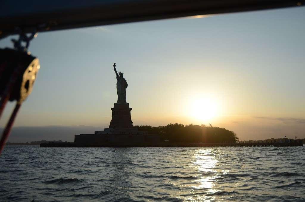 Gotham Sailing - travel agency  | Photo 7 of 10 | Address: 80 Audrey Zapp Dr, Jersey City, NJ 07305, USA | Phone: (732) 820-0290