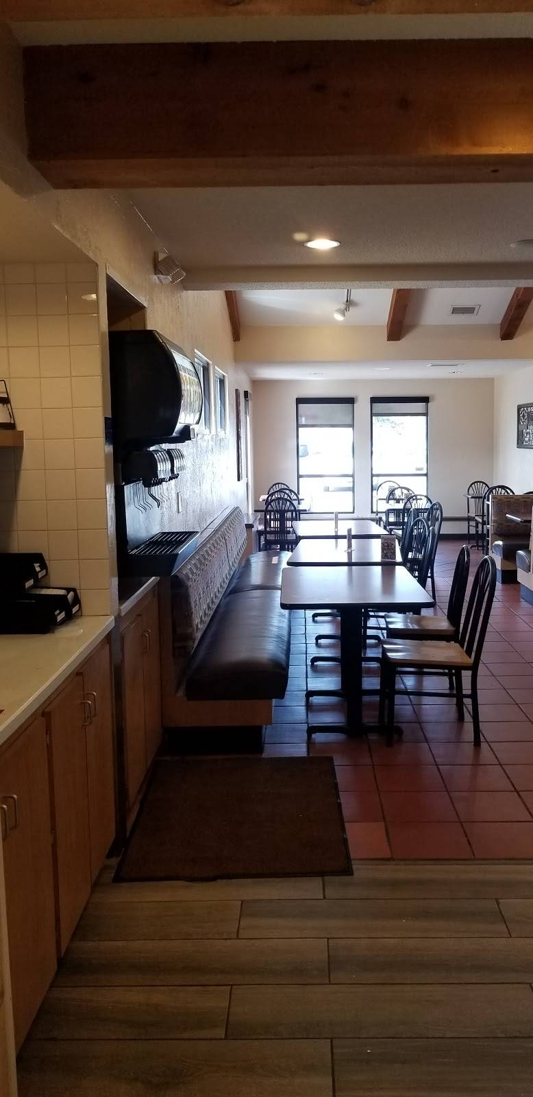 Amigos/Kings Classic - cafe  | Photo 6 of 9 | Address: 4200 S 14th St, Lincoln, NE 68502, USA | Phone: (402) 423-6794