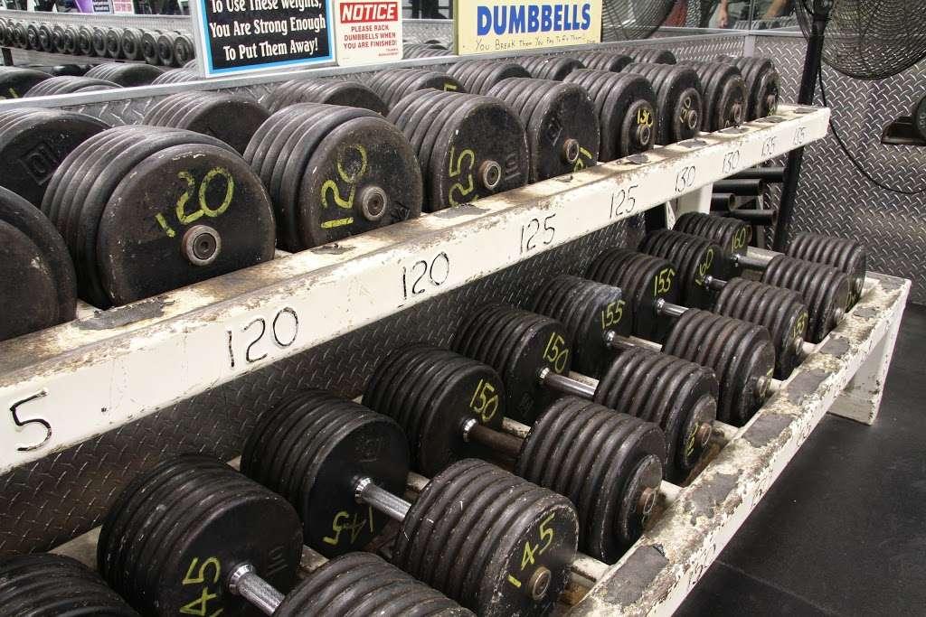 USA Gym INC - gym  | Photo 10 of 10 | Address: 7621 W 100th Pl, Bridgeview, IL 60455, USA | Phone: (708) 598-3846