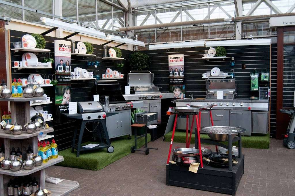 Van Hage Garden Centre - cafe  | Photo 8 of 10 | Address: Pepper Hill, Great Amwell, Ware SG12 9RP, UK | Phone: 01920 870811