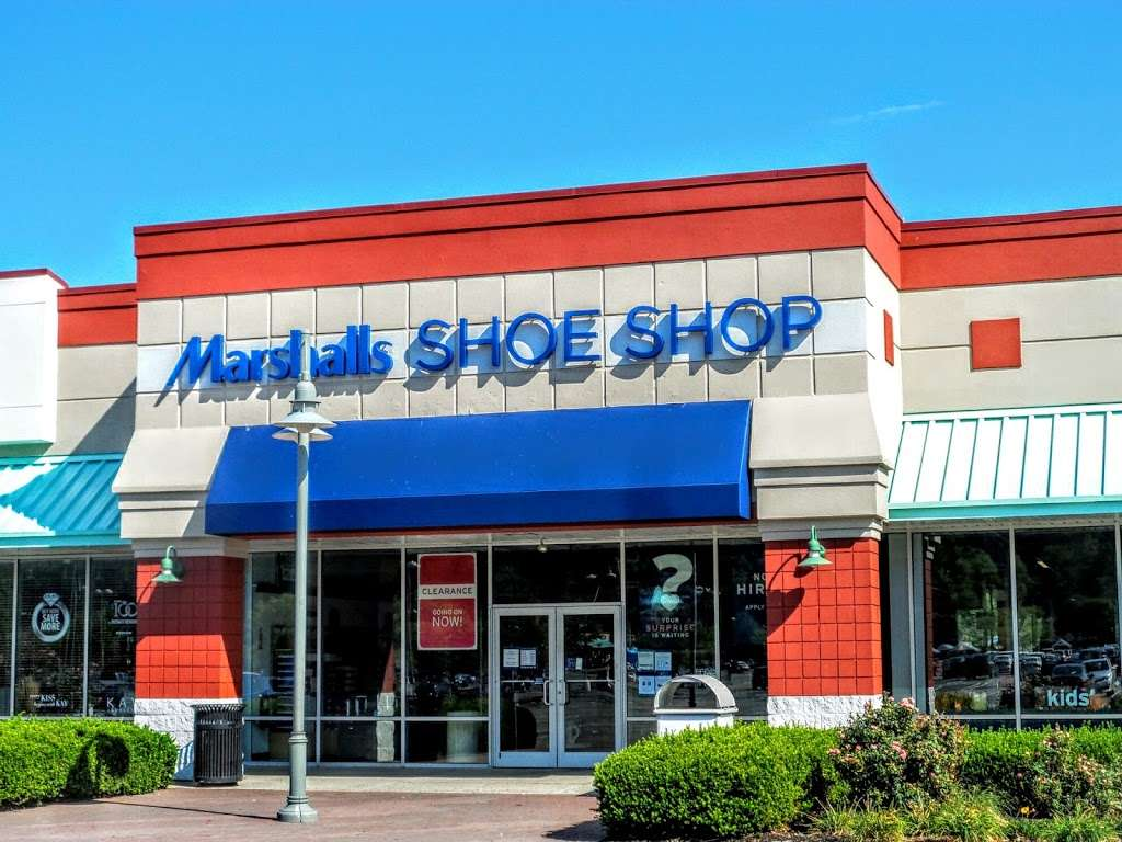 Marshalls - department store  | Photo 3 of 10 | Address: 497 River Rd, Edgewater, NJ 07020, USA | Phone: (201) 945-5671