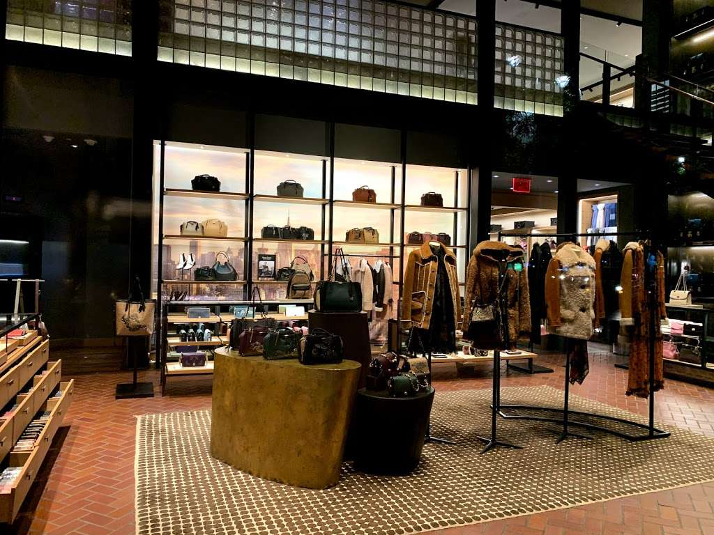 COACH TIME WARNER BUILDING (COLUMBUS CIRCLE) - store  | Photo 1 of 10 | Address: 10 Columbus Cir, New York, NY 10019, USA | Phone: (212) 581-4115