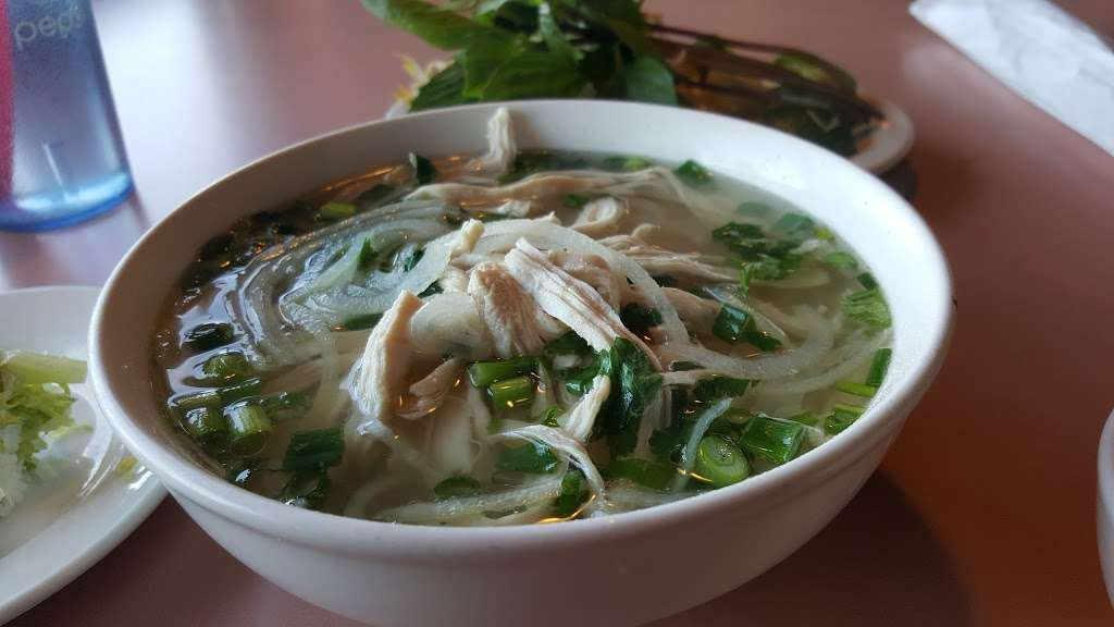 Pho 777 - restaurant  | Photo 7 of 10 | Address: 562 S Chambers Rd, Aurora, CO 80017, USA | Phone: (303) 369-2220