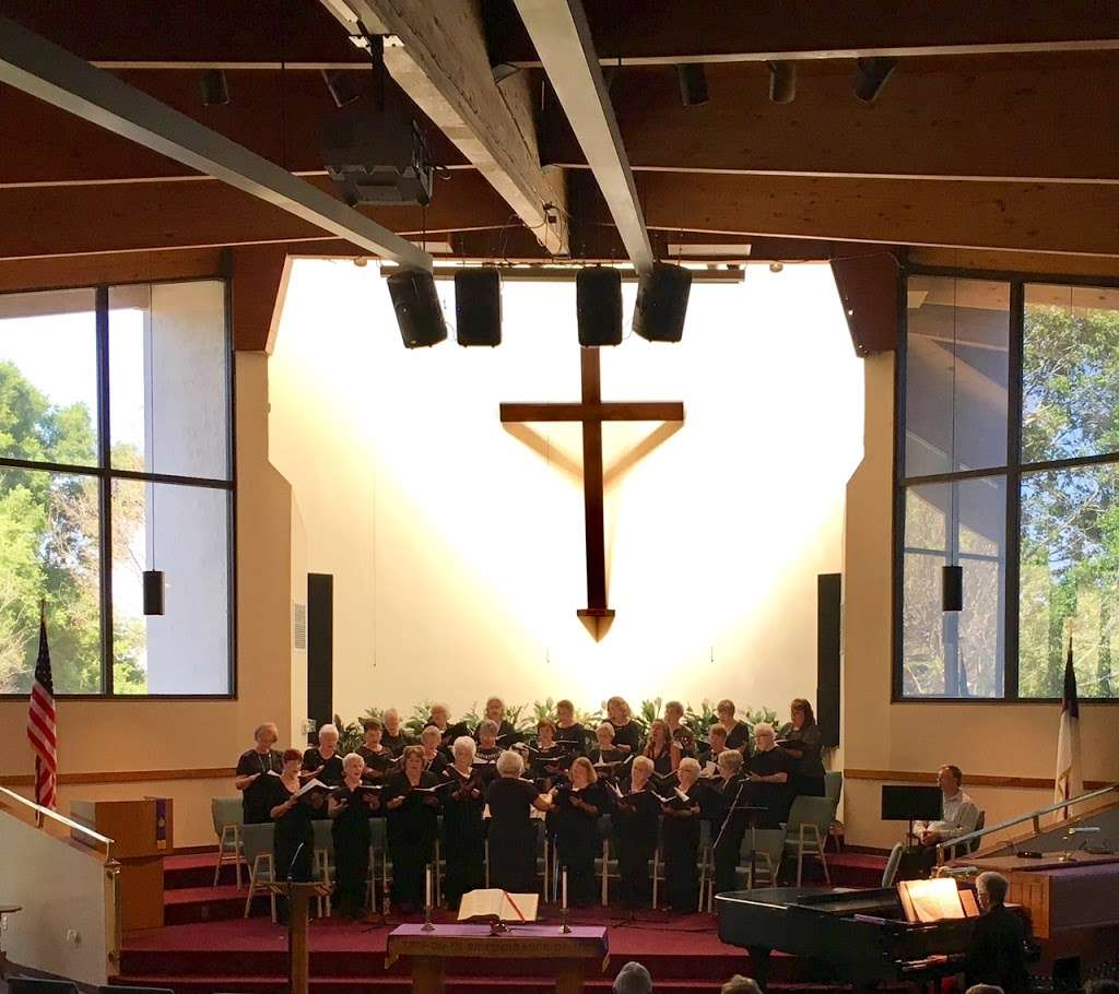 Rolling Hills Community Church - church  | Photo 2 of 10 | Address: 4407 W Orange Blossom Trail, Zellwood, FL 32798, USA | Phone: (407) 886-7664