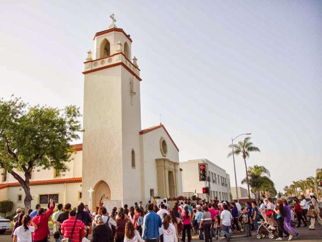 St. Anne Church - church  | Photo 4 of 10 | Address: 1344 S Main St, Santa Ana, CA 92707, USA | Phone: (714) 835-7434