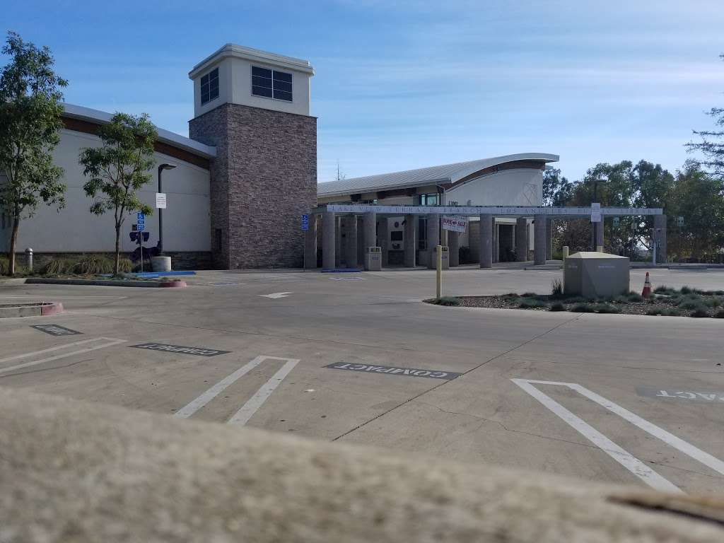Lake View Terrace Library - library  | Photo 3 of 4 | Address: 12002 Osborne St, Sylmar, CA 91342, USA | Phone: (818) 890-7404