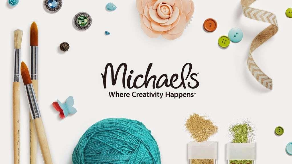 Michaels - store  | Photo 3 of 10 | Address: 135 Crooked Run Plaza #20, Front Royal, VA 22630, USA | Phone: (540) 635-6336