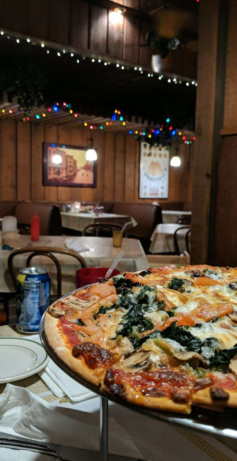 Franks Pizzeria & Restaurant - meal delivery  | Photo 7 of 10 | Address: 6506 W Belmont Ave, Chicago, IL 60634, USA | Phone: (773) 283-2564