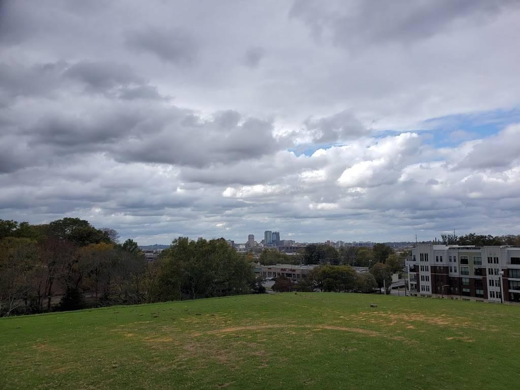Highland Park Golf Course - school    Photo 3 of 7   Address: 3300 Highland Ave, Birmingham, AL 35205, USA   Phone: (205) 322-1902