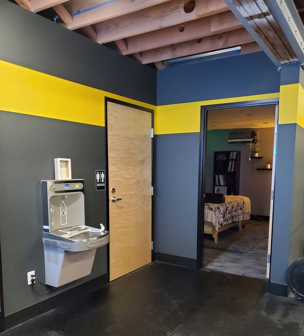 Advanced Results Fitness and Massage - gym    Photo 10 of 10   Address: 8230 S Barbur Blvd, Portland, OR 97219, USA   Phone: (503) 545-6100