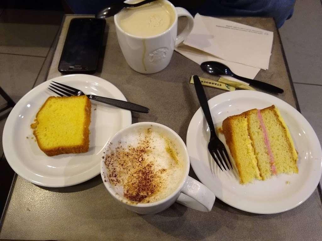 Starbucks Coffee - cafe  | Photo 6 of 10 | Address: 119 London Rd N, Hooley, Merstham, Redhill RH1 3AL, UK | Phone: 01737 550382
