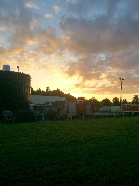 Darigold Warehouse - storage    Photo 10 of 10   Address: 4058 Rainier Ave S, Seattle, WA 98118, USA   Phone: (206) 725-9950