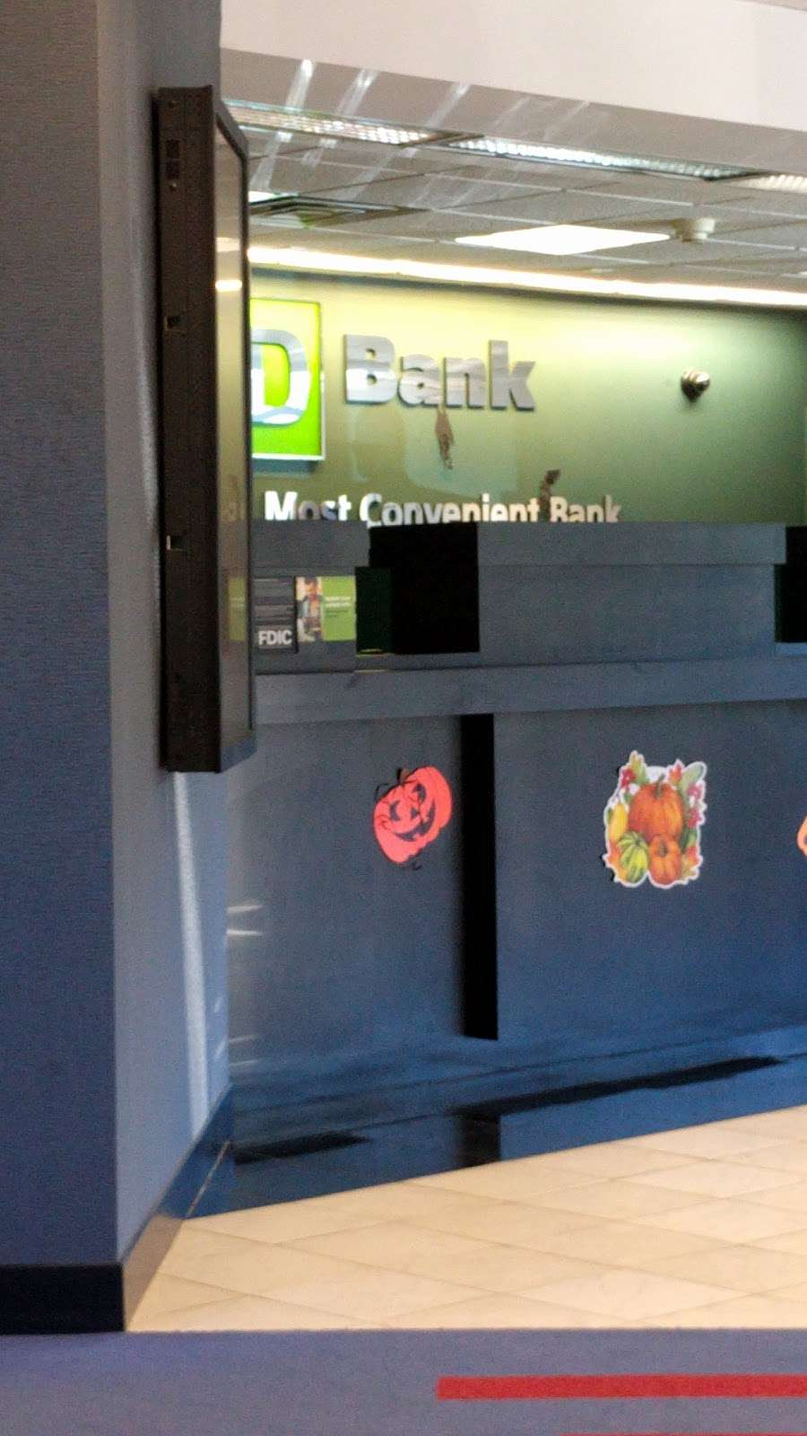 TD Bank - bank    Photo 2 of 3   Address: 457 Sylvan Ave, Englewood Cliffs, NJ 07632, USA   Phone: (201) 567-3795