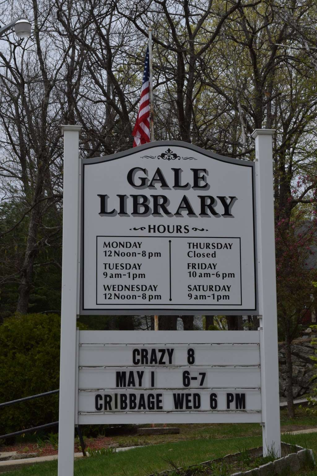 Gale Library - library  | Photo 2 of 2 | Address: 16 S Main St, Newton, NH 03858, USA | Phone: (603) 382-4691