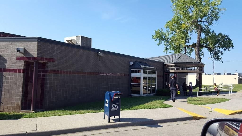 Kansas City Public Library: North East Branch - library  | Photo 4 of 4 | Address: 6000 Wilson Ave, Kansas City, MO 64123, USA | Phone: (816) 701-3485