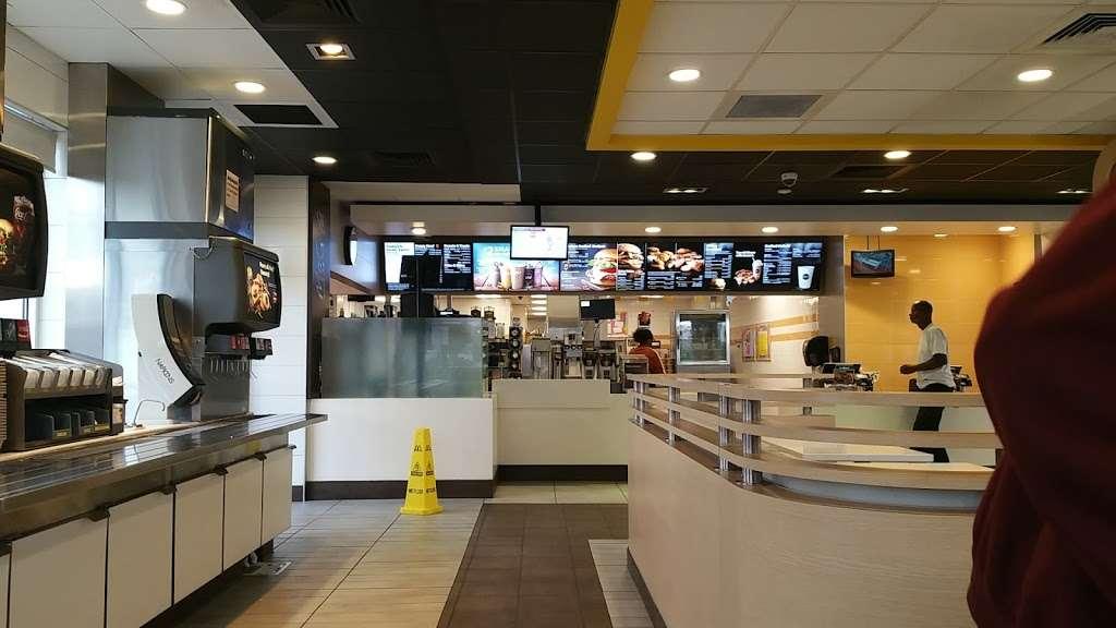 McDonalds - cafe    Photo 5 of 10   Address: 15235 S Figueroa St Ave, Gardena, CA 90248, USA   Phone: (310) 329-5511