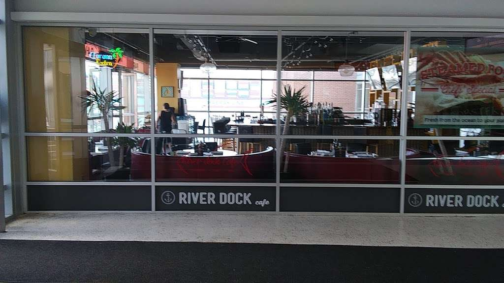 River Dock Cafe - restaurant  | Photo 3 of 10 | Address: 1 Richmond Terrace, Staten Island, NY 10301, USA | Phone: (347) 354-3598