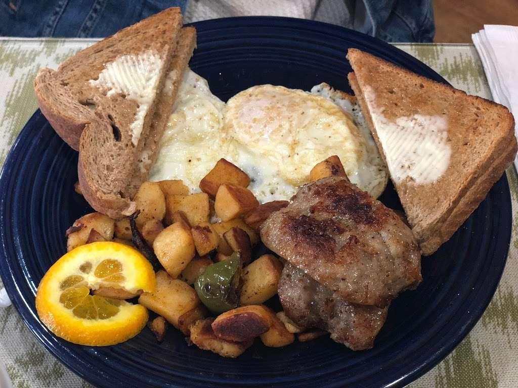 Breakfast Table - restaurant  | Photo 2 of 10 | Address: 1315 Tatamy Rd, Easton, PA 18045, USA | Phone: (610) 252-8783